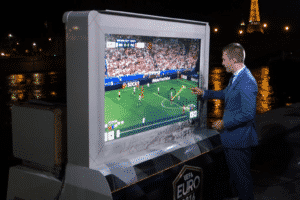 Built with versatility in mind,SmartCartSVX is the world's first extreme brightness touchscreen system suitable for outdoor sports presentation.